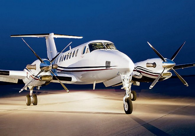 charter flight KING AIR B 200